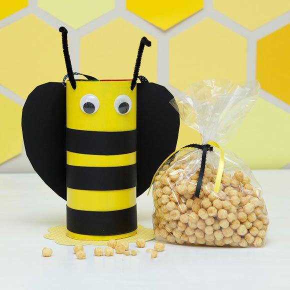 幼儿园用纸盒子手工制作卡通蜜蜂篮子的方法