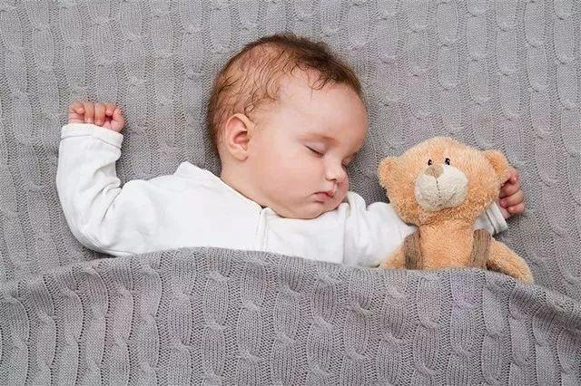 爸妈容易忽略的几大问题,别让你的孩子在睡梦中遇到危险!