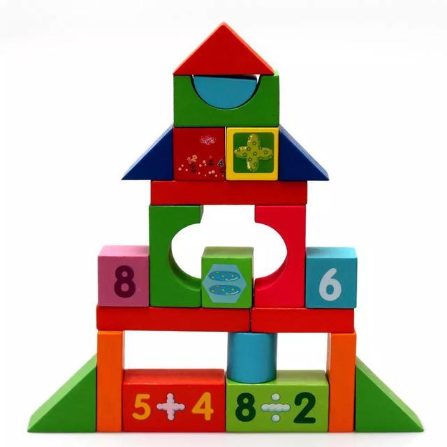 干脆在积木搭建的过程中,帮孩子弄明白因果关系,还能帮孩子发展出优秀