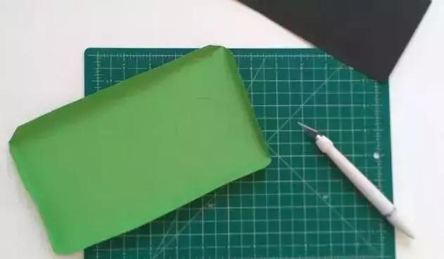 彩色火车头卡纸制作图片大全