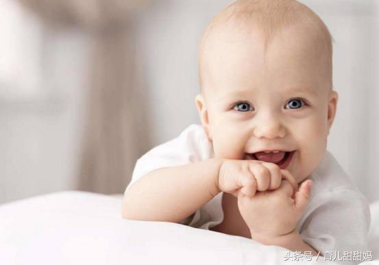 宝宝犯困可爱图片