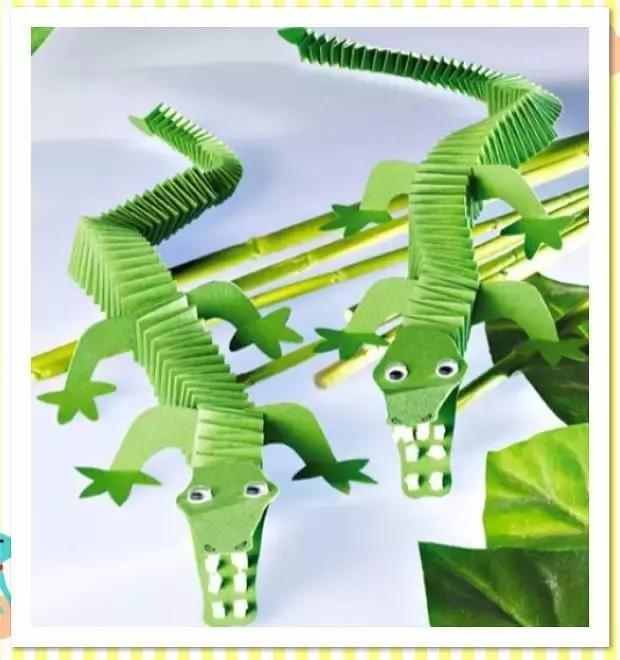 鳄鱼牙齿,眼白都可以用牙膏来做哦,做鳄鱼的时候,弹簧折纸要折长