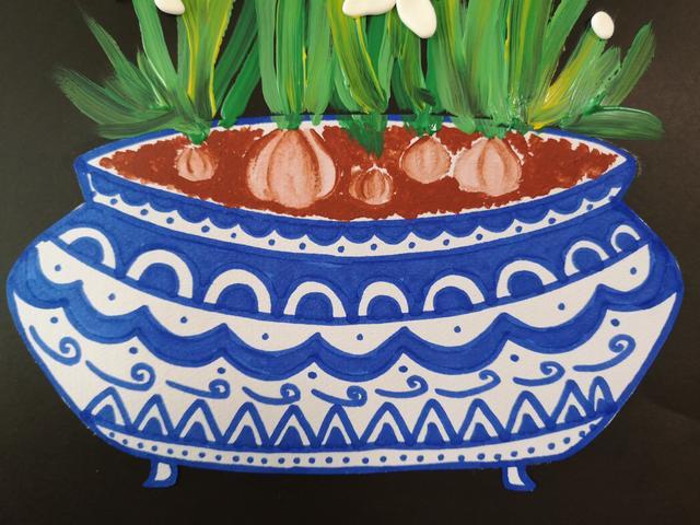 绘画工具           水粉颜料:赭石,深绿,浅绿,黄色;8k黑色卡纸;花瓶