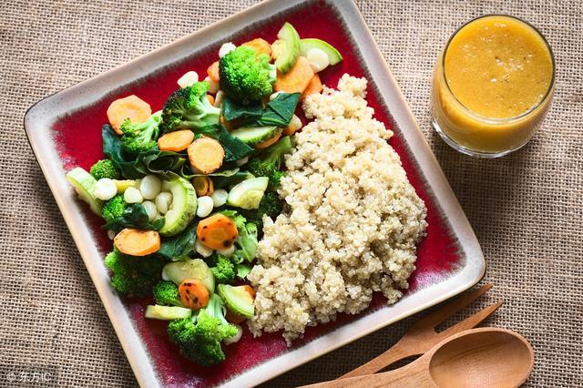 晚饭不吃主食能减肥_因为减肥长期不吃米饭?身体真的很受伤!这么吃面食既健康又减肥