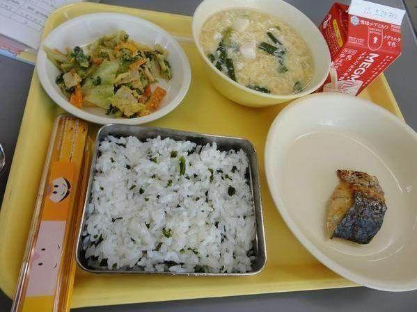 看了美国幼儿园的午餐和日本幼儿园的午餐,网友:还是中国的好