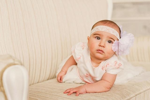 后果也会造成小孩子的一些坏毛病,比如:不满足他的需求就会大哭大闹