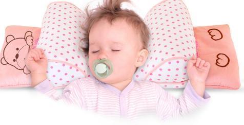 同时,婴幼儿时期,宝宝头颅骨相对较软,是形成头型的关键时期.