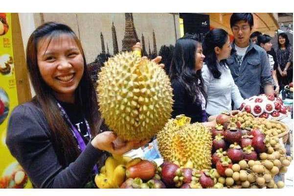 泰国人哭诉:中国吃货把榴莲吃成了贵族,现在我们都吃不起了!