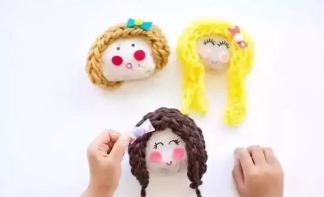 爱美的小姑娘头上有什么发饰呢?