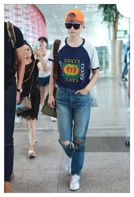 看了张靓颖牛仔裤,再看看李宇春,网友 谁是真正大长腿一目了然